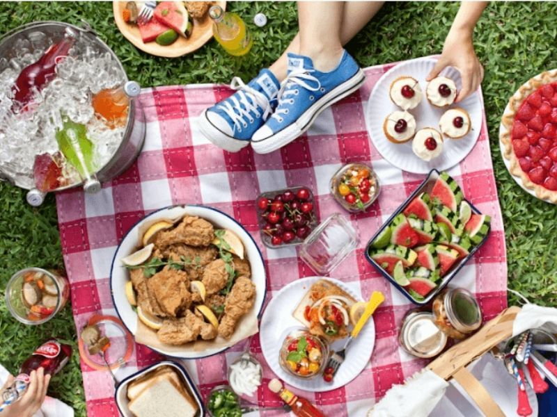 Healthy Minute: Enjoy A Healthier Picnic All Summer Long