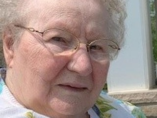 Helen Dickinson Obituary