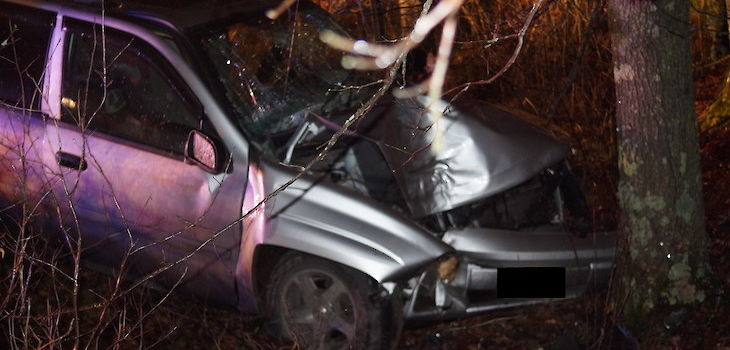 Alcohol Suspected as Factor in Vehicle vs Tree Crash in Burnett County